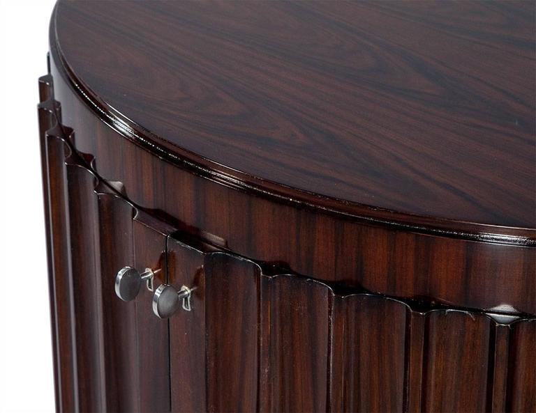 Pair of Art Deco Fluted Commodes in Rosewood For Sale 1