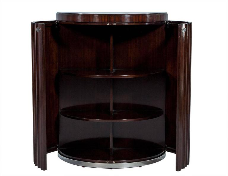 Pair of Art Deco Fluted Commodes in Rosewood In Excellent Condition For Sale In North York, ON