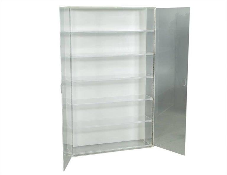 retro lucite display vitrine for sale at 1stdibs. Black Bedroom Furniture Sets. Home Design Ideas
