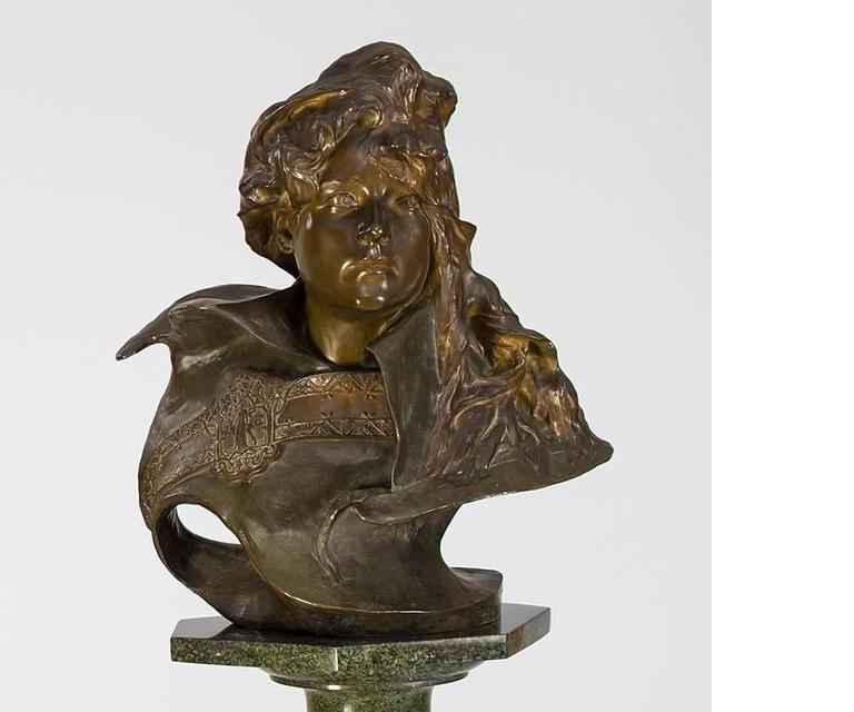 This gilt and patinated bronze French Art Nouveau sculpture portrait depicts famed actress Sarah Bernhardt, by Paul-François Berthoud. Berhnardt, one of the most important actresses of her day, is frozen, here, in a stance and expression of great