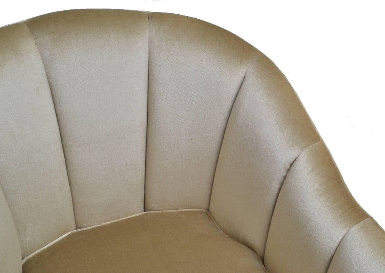 Modern Pair of Contemporary Lounge Chairs in Mohair For Sale
