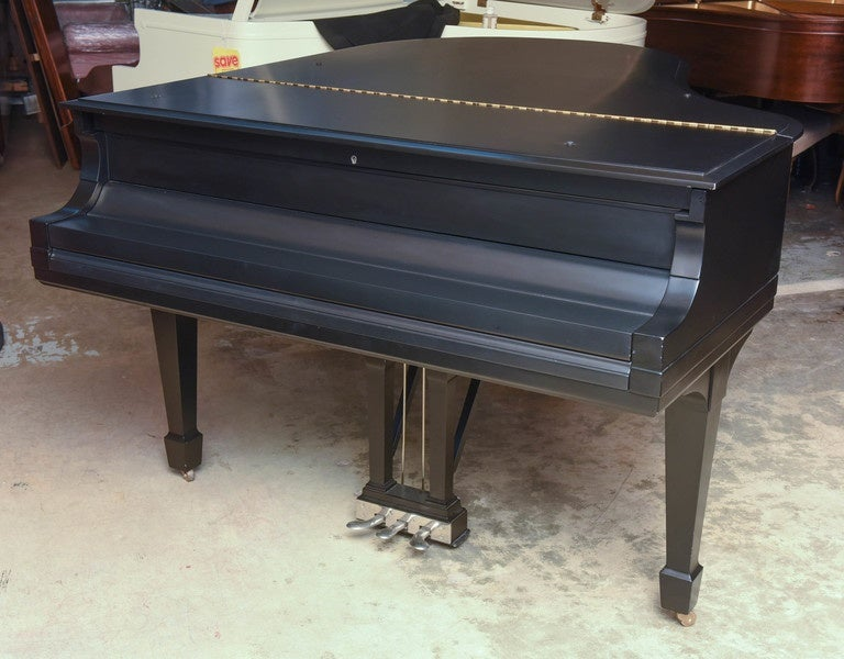 Steinway Grand Piano from 1921 For Sale 1