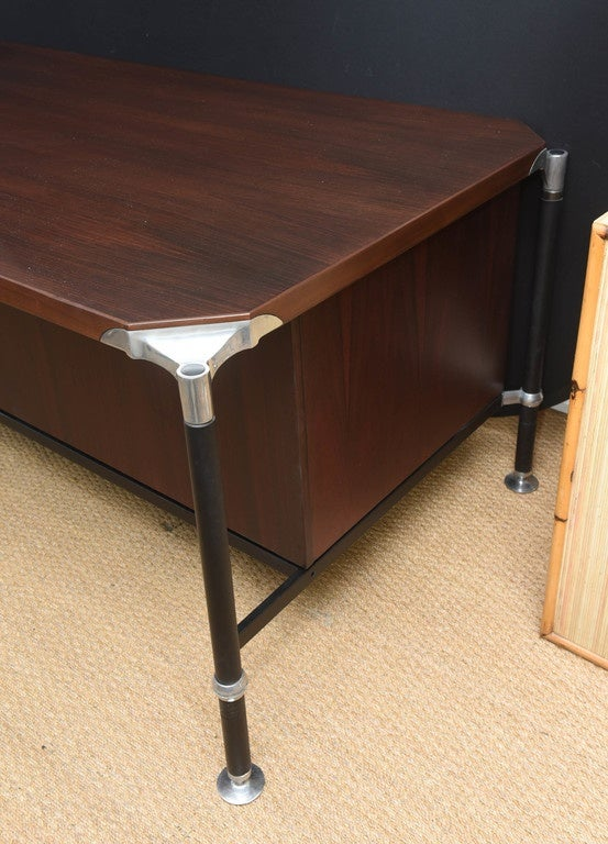 Mid-20th Century Ico Parisi Desk For Sale