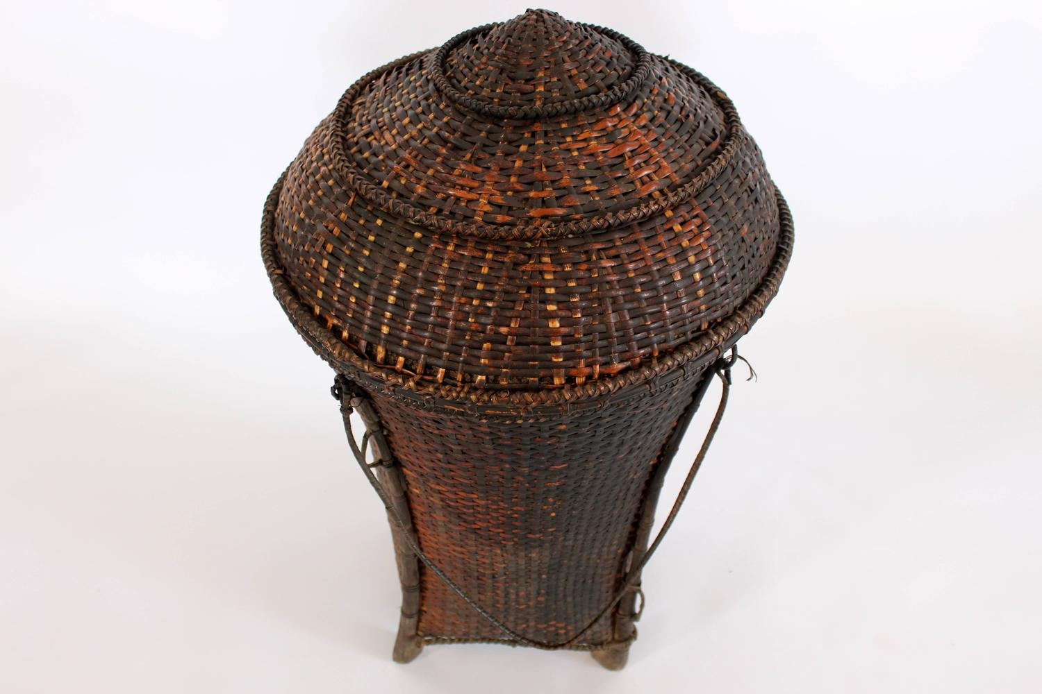 How to weave a basket lid : Woven storage basket with lid for sale at stdibs