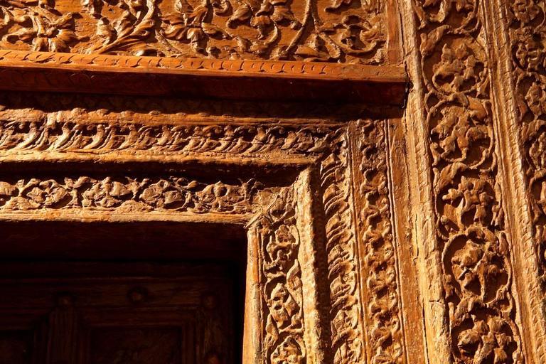 20th Century Impressive Carved Indian Entrance Door For Sale