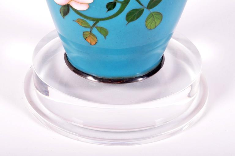 Japanese Cloisonné Vase In Good Condition For Sale In Chicago, IL