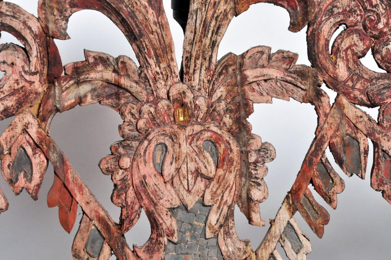 Carved Temple's Entrance Arch with Original Color For Sale 1