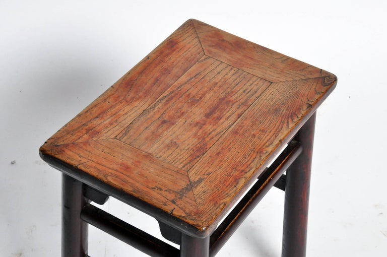 Qing Dynasty Chinese Stool with Round Legs and Original Lacquer In Good Condition For Sale In Chicago, IL