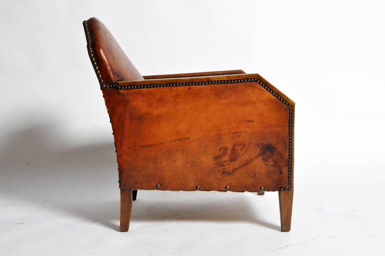 French Art Deco Leather Club Chairs With Walnut Arms In Good Condition For Chicago