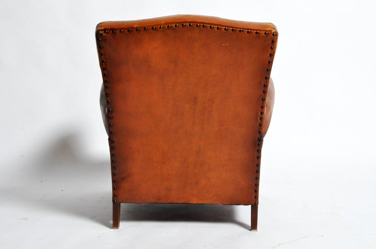 French Art Deco Leather Club Chair with Piping and Original Patina For Sale 1