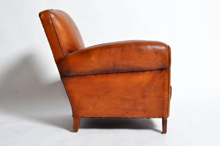 French Art Deco Leather Club Chair with Piping and Original Patina In Good Condition For Sale In Chicago, IL