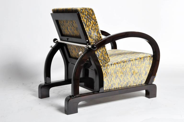 Contemporary Pair of Art Deco Style Curved Armchairs For Sale