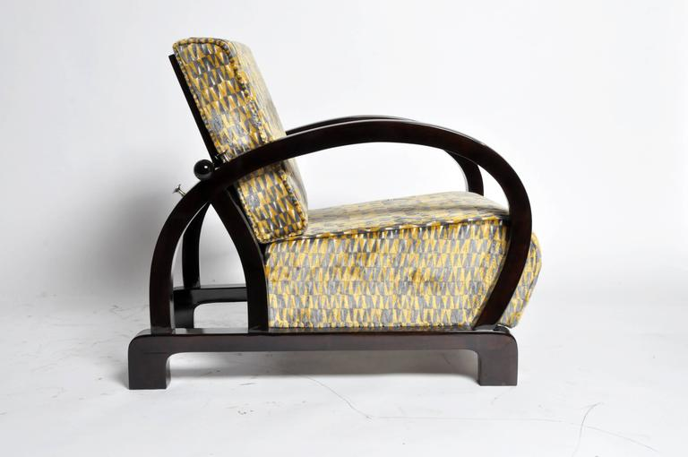 Pair of Art Deco Style Curved Armchairs In Good Condition For Sale In Chicago, IL