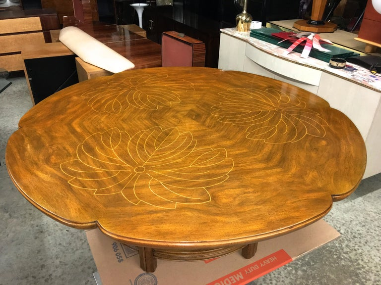John Widdicomb Scalloped Edge Round Cocktail Table with Inlay For Sale 11