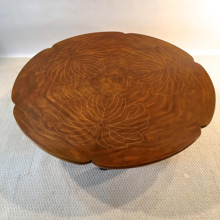 John Widdicomb Scalloped Edge Round Cocktail Table with Inlay For Sale 6