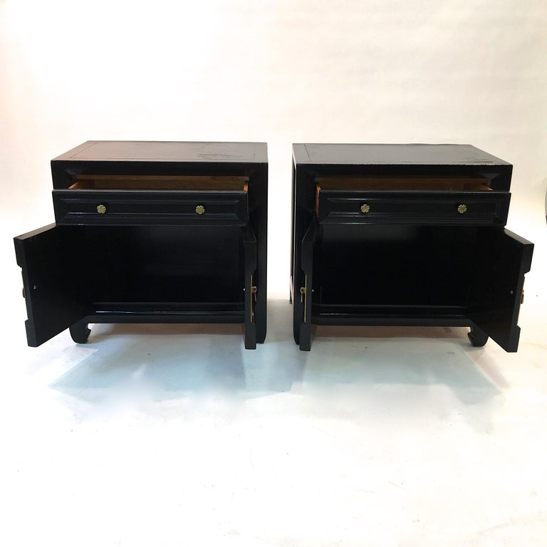 Hollywood Regency Asian Modern Motif Pair of Nightstands by Century Furniture For Sale 4