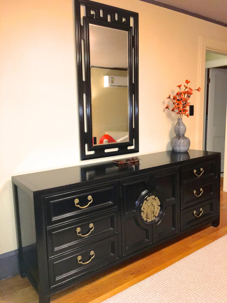 Hollywood Regency Asian Modern Motif Long Low Chest by Century Furniture In Good Condition For Sale In Hingham, MA