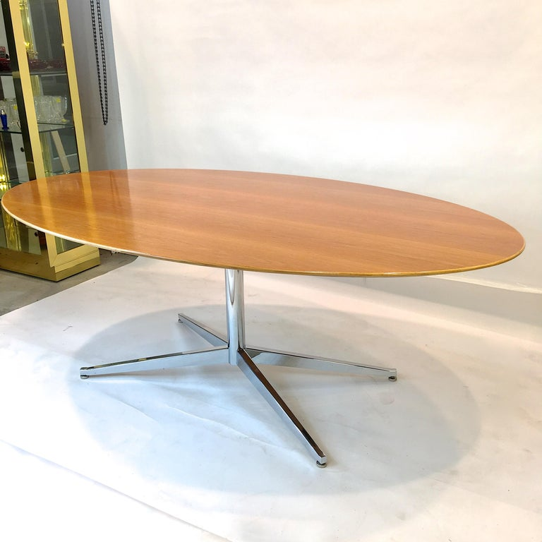 Florence Knoll Elliptical Oval Oak Table on Chrome X Base For Sale 4