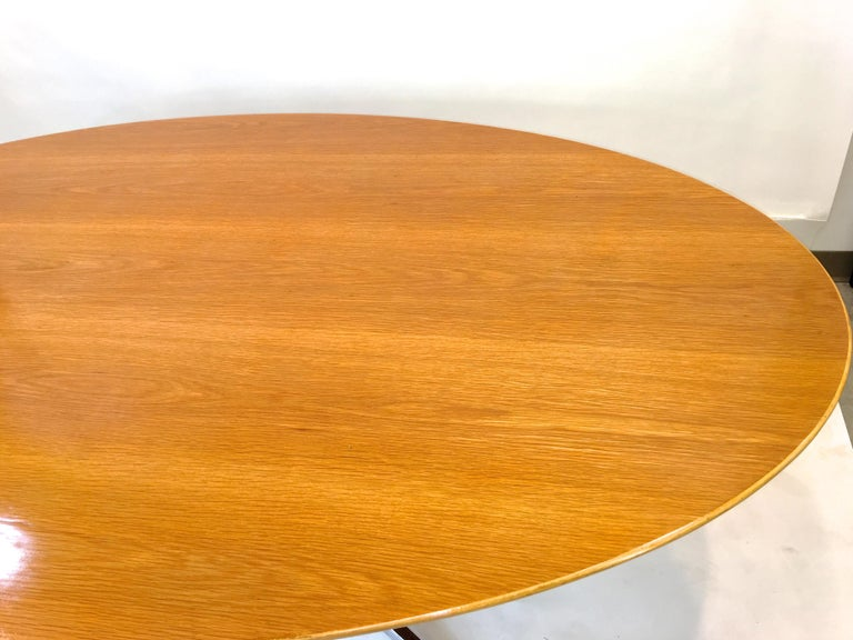 Florence Knoll Elliptical Oval Oak Table on Chrome X Base For Sale 3
