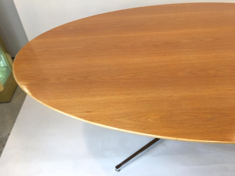 Florence Knoll Elliptical Oval Oak Table on Chrome X Base For Sale 7
