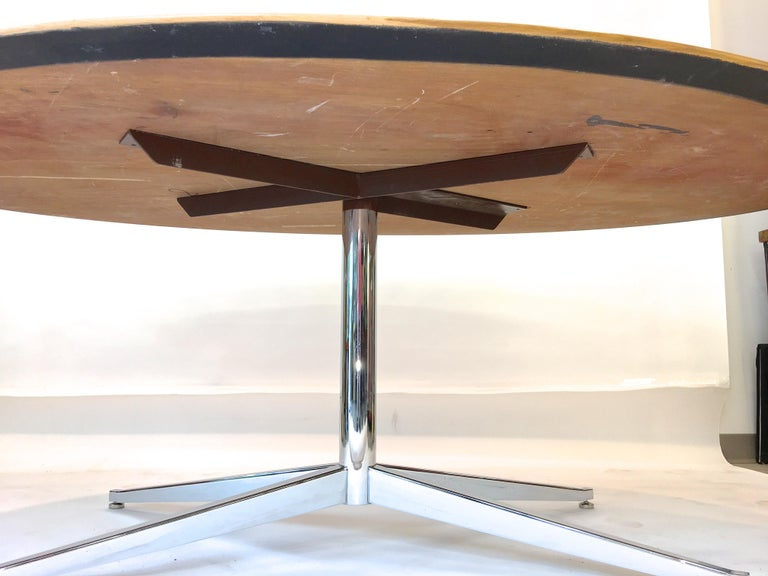 Florence Knoll Elliptical Oval Oak Table on Chrome X Base For Sale 9