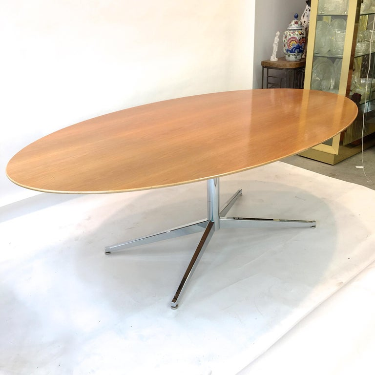 Florence Knoll Elliptical Oval Oak Table on Chrome X Base For Sale 10