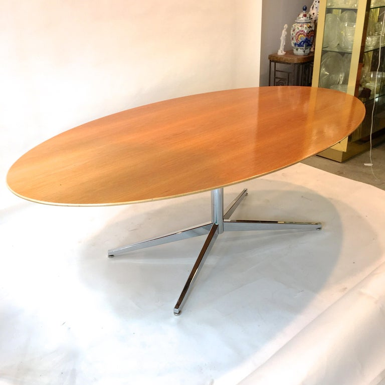 Florence Knoll Elliptical Oval Oak Table on Chrome X Base For Sale 12