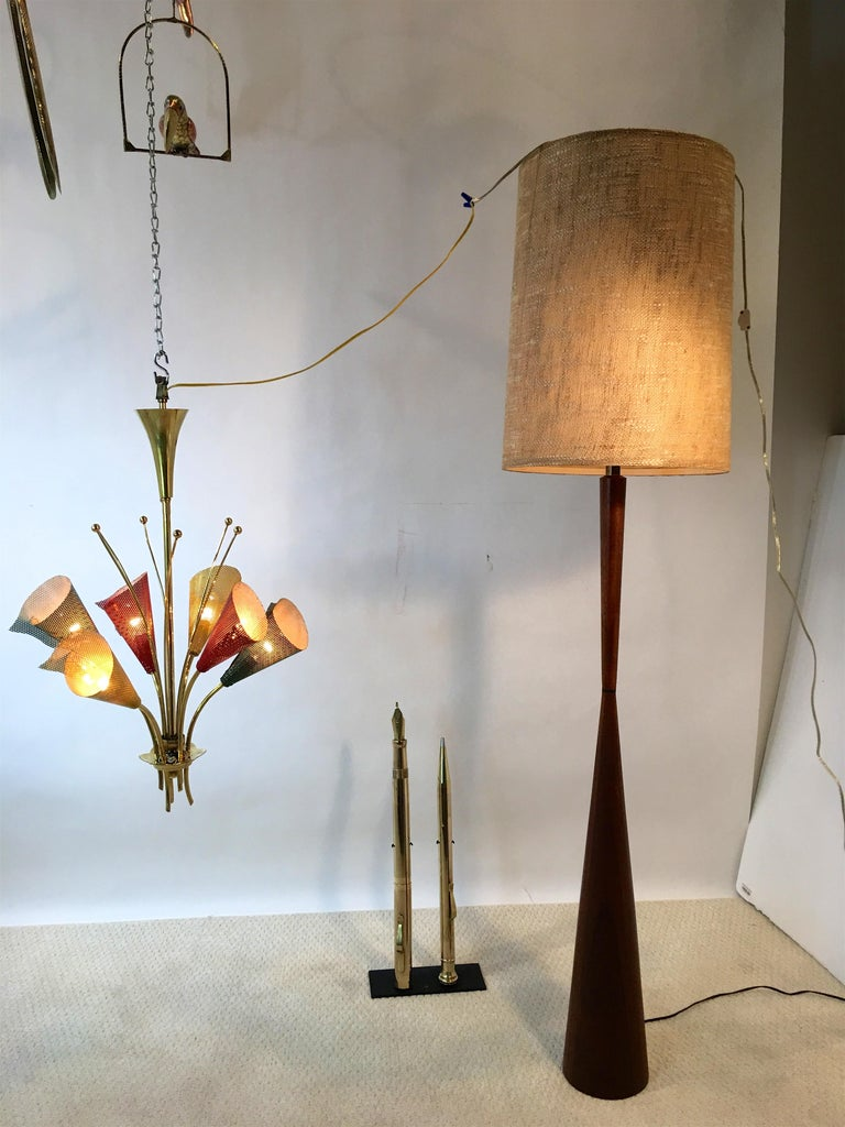 Walnut Hourglass Floor Lamp by Raymond Pfennig for Zina Lamp Co. For Sale 14