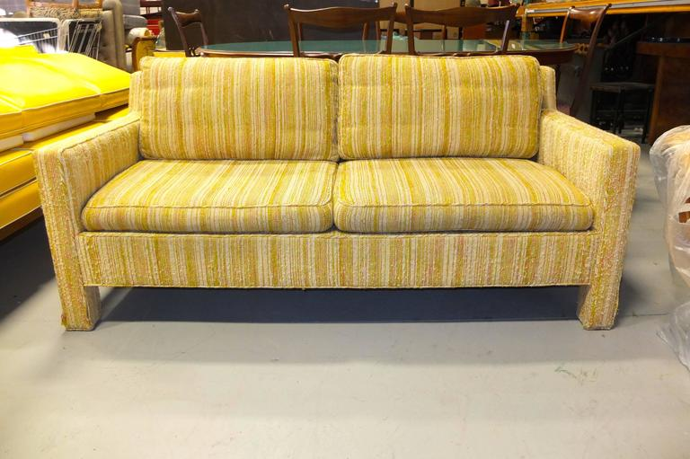 Edward Wormley for Dunbar Love Seat Sofa In Good Condition For Sale In Hingham, MA