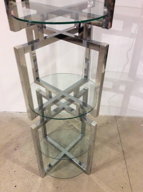 Geometric Chrome Tower Etagere in the style of Milo Baughman In Excellent Condition For Sale In Hingham, MA