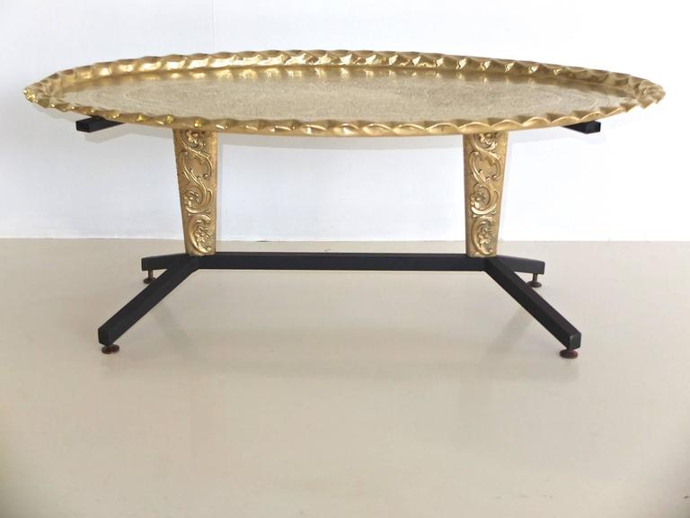 Mid-Century Modern 1960s Italian Coffee Table with Elliptical Brass Tray Top For Sale