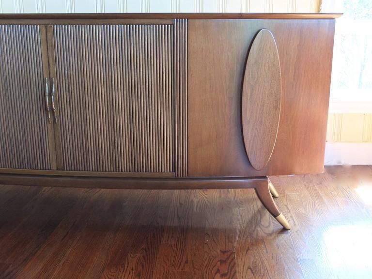 1950s Walnut Italian Sideboard by Adolfo Genovese For Sale 3