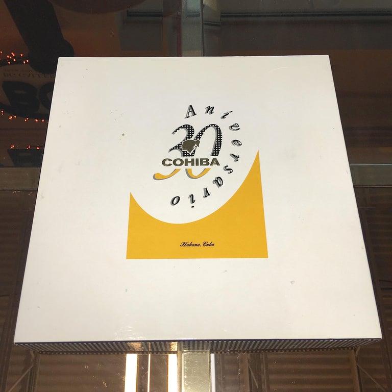 Cohiba Special Edition 30th Anniversary Cigar Ashtray For Sale 5