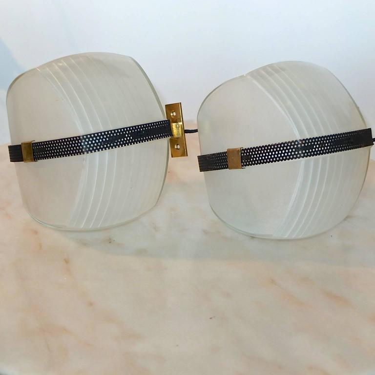 Mid-Century Modern Pair of Omicron Sconces by Vico Magistretti for Artemide For Sale