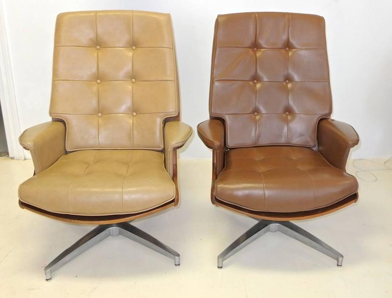 Pair of Heywood Wakefield Swivel Lounge Chairs 2