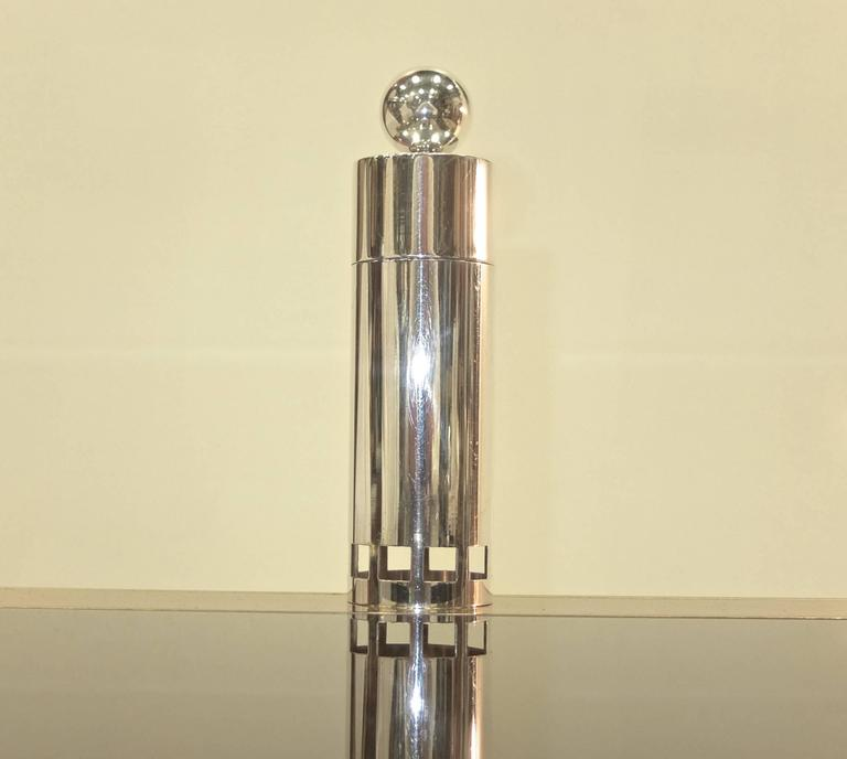 Post-Modern Richard Meier for Swid Powell Silver Plated Peppermill For Sale
