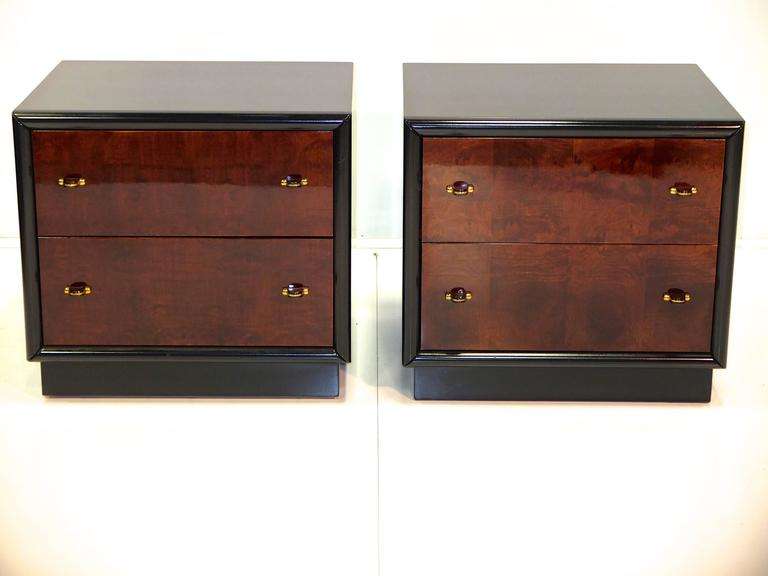 Restored Pair of Henredon Scene Three Nightstands In Excellent Condition For Sale In Hingham, MA