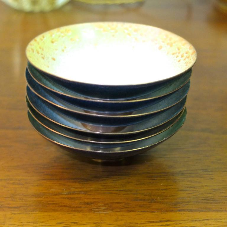 Set of Six Italian Enameled Copper Pin Dishes In Excellent Condition For Sale In Hingham, MA