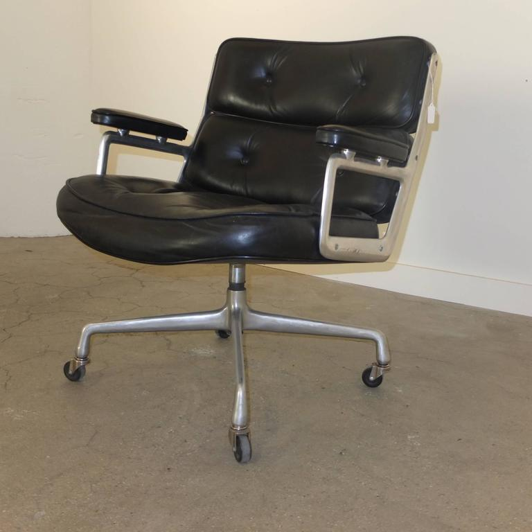 Aluminum 1960s Time Life Lobby Chair by Charles Eames for Herman Miller For Sale