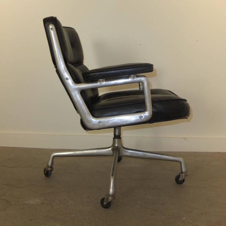 1960s Time Life Lobby Chair by Charles Eames for Herman Miller For Sale 2