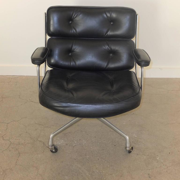 Mid-Century Modern 1960s Time Life Lobby Chair by Charles Eames for Herman Miller For Sale