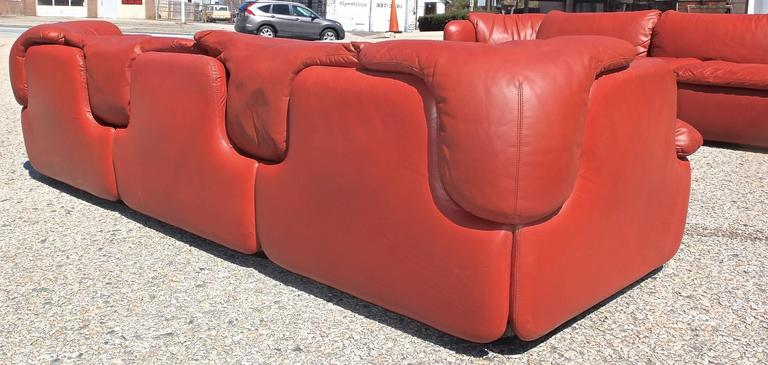 "Pair of ""Confidential"" Leather Sofas by Alberto Rosselli for Saporiti 7"