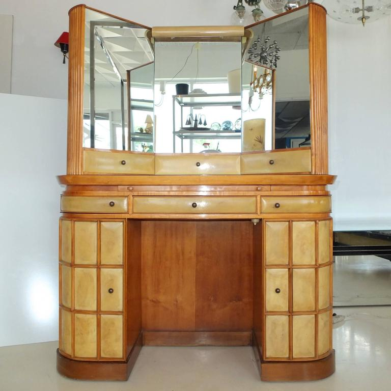 Custom-made vanity, dressing table or secretary with triptych mirror, in parchment and fruitwood, possibly pear wood, attributed to Paolo Buffa. Italy, circa 1935.