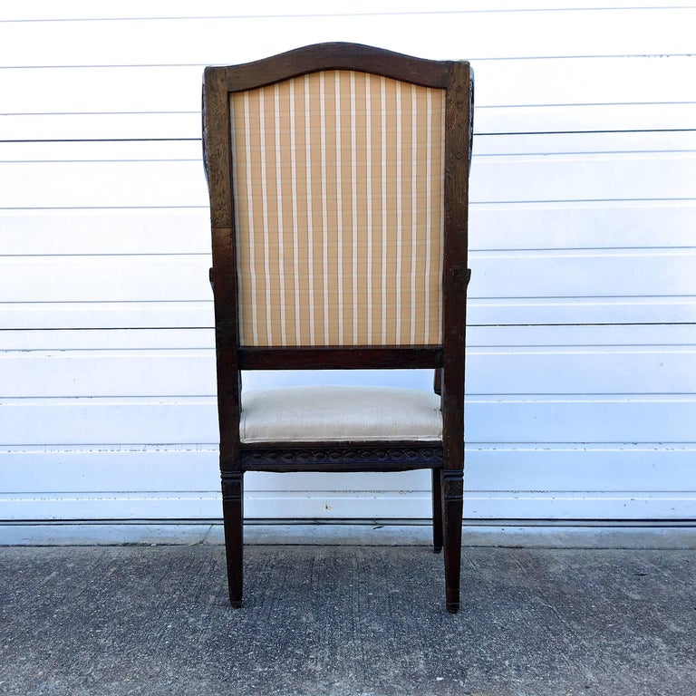 Walnut 18th Century Italian Wing Chair For Sale