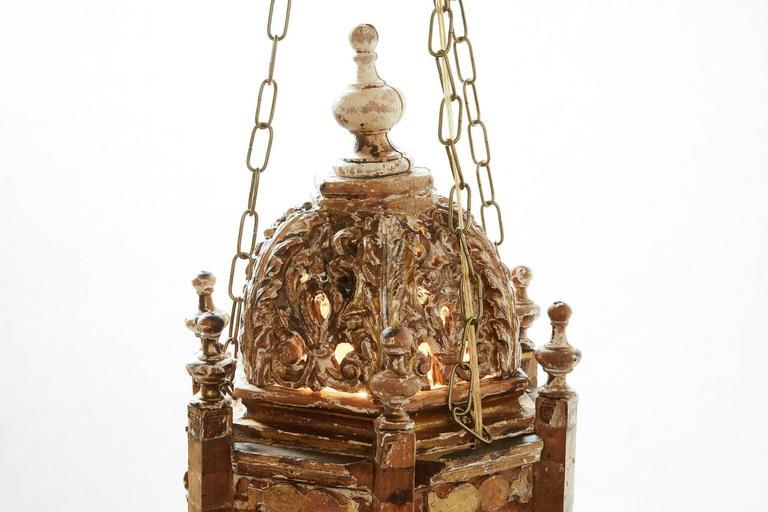 Rococo Pair of 18th Century Italian Giltwood Lanterns For Sale