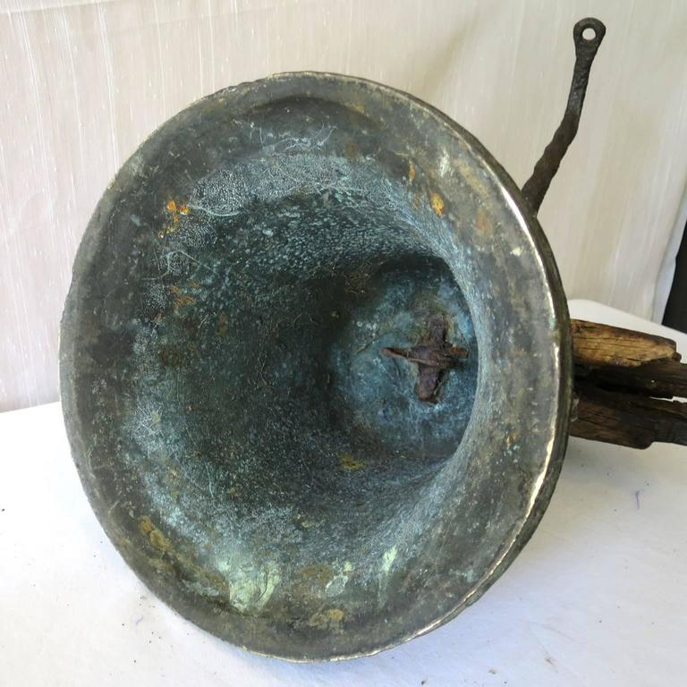 Property Bronze Airin Bell Dated 1815 with its Wrought Iron Top and Wood Beam For Sale 1