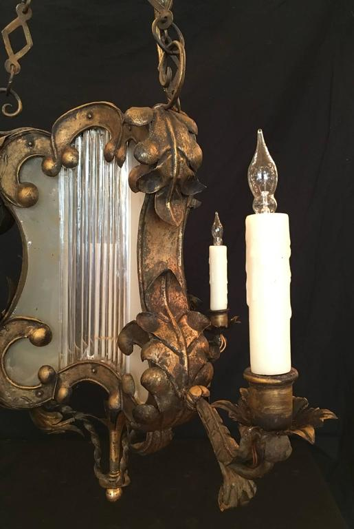 18th C Venetian Baroque Gilt, Tole, and Glass Lantern Chandelier In Excellent Condition For Sale In Charleston, SC