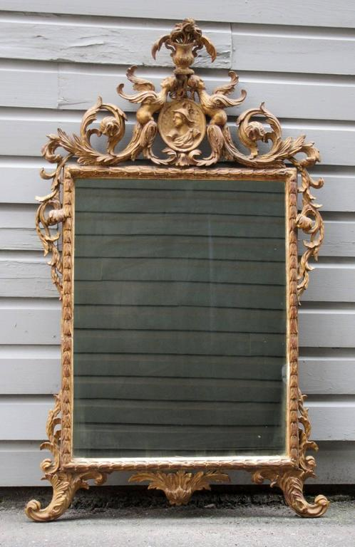 18th Century Italian Venetian Rococo Giltwood Mirror with Chinoiserie Details For Sale 3