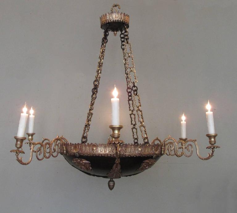18th Century Italian Neoclassical Patinated Bronze Chandelier For Sale 6