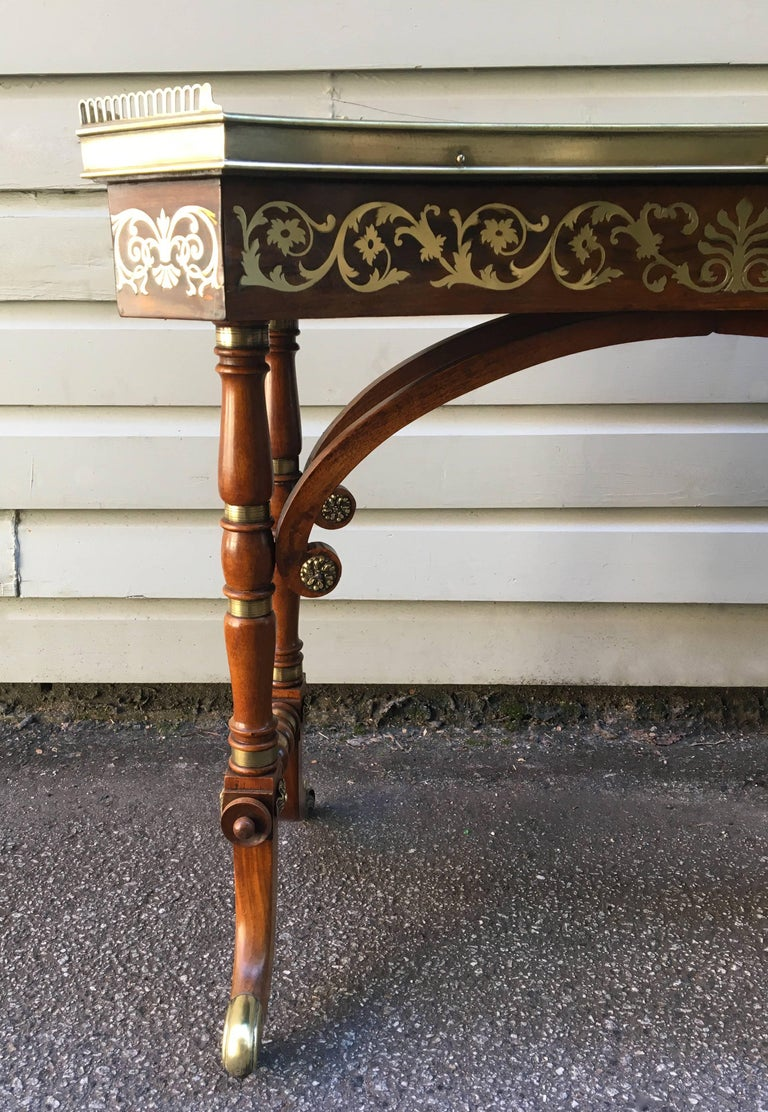 Early 19th Century English Regency Rosewood Library or Dressing Table In Good Condition For Sale In Charleston, SC